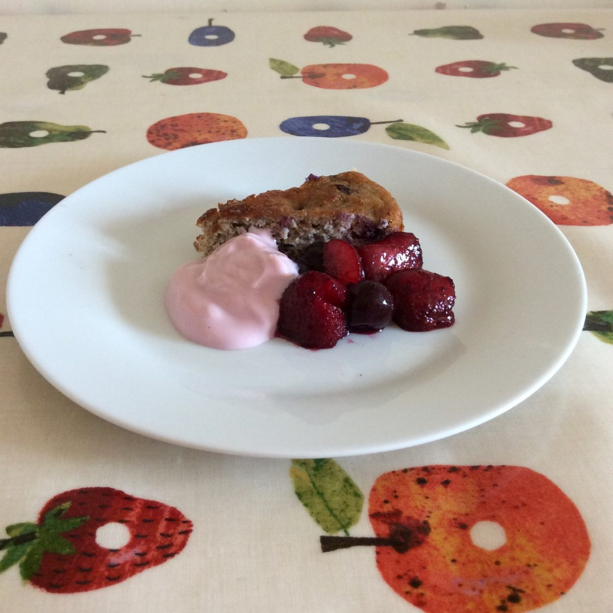 Berry Healthy Cake (sugar free and gluten free)
