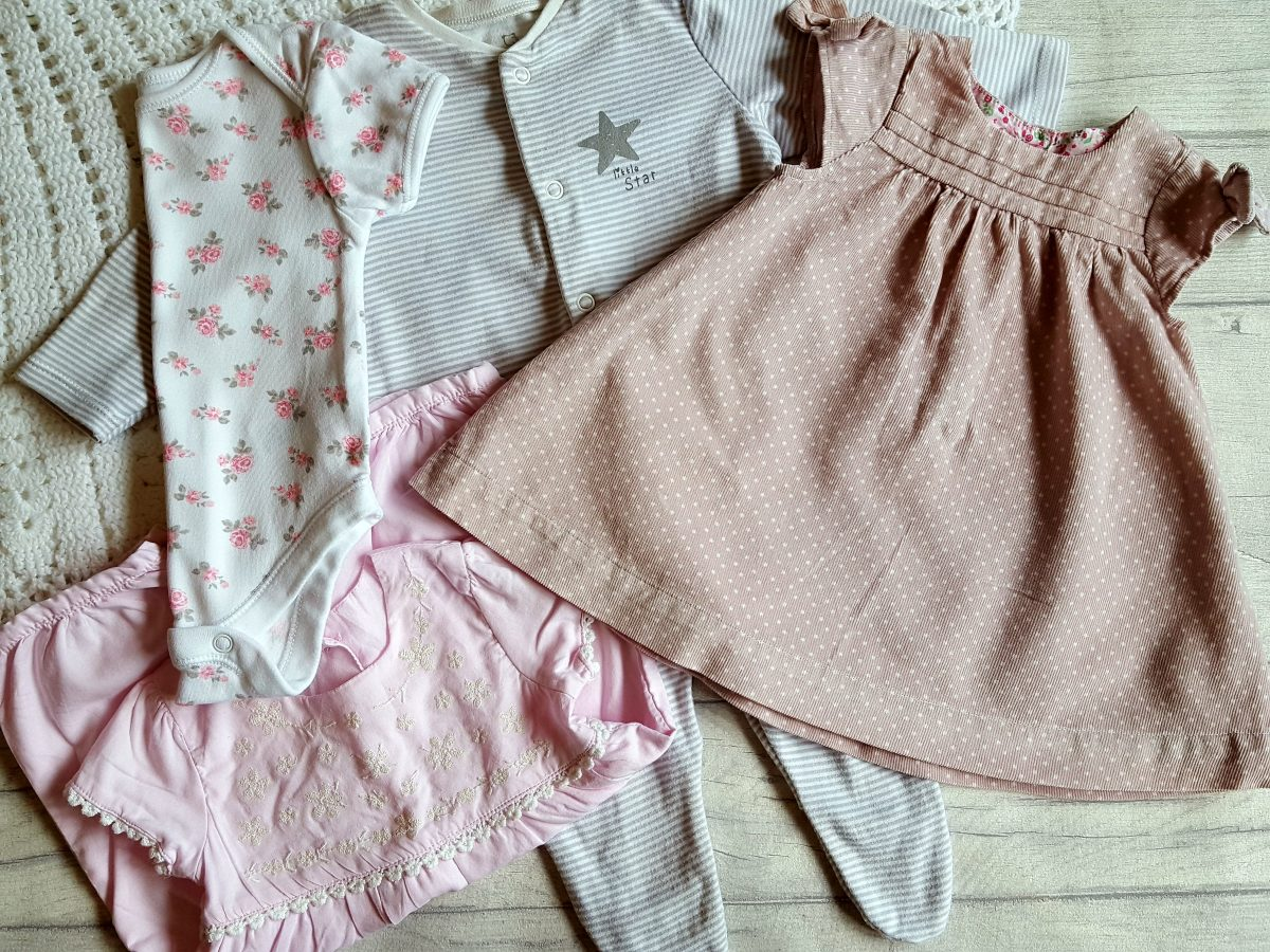 27 Weeks Pregnant: Pregnancy update and baby girl's clothes haul!