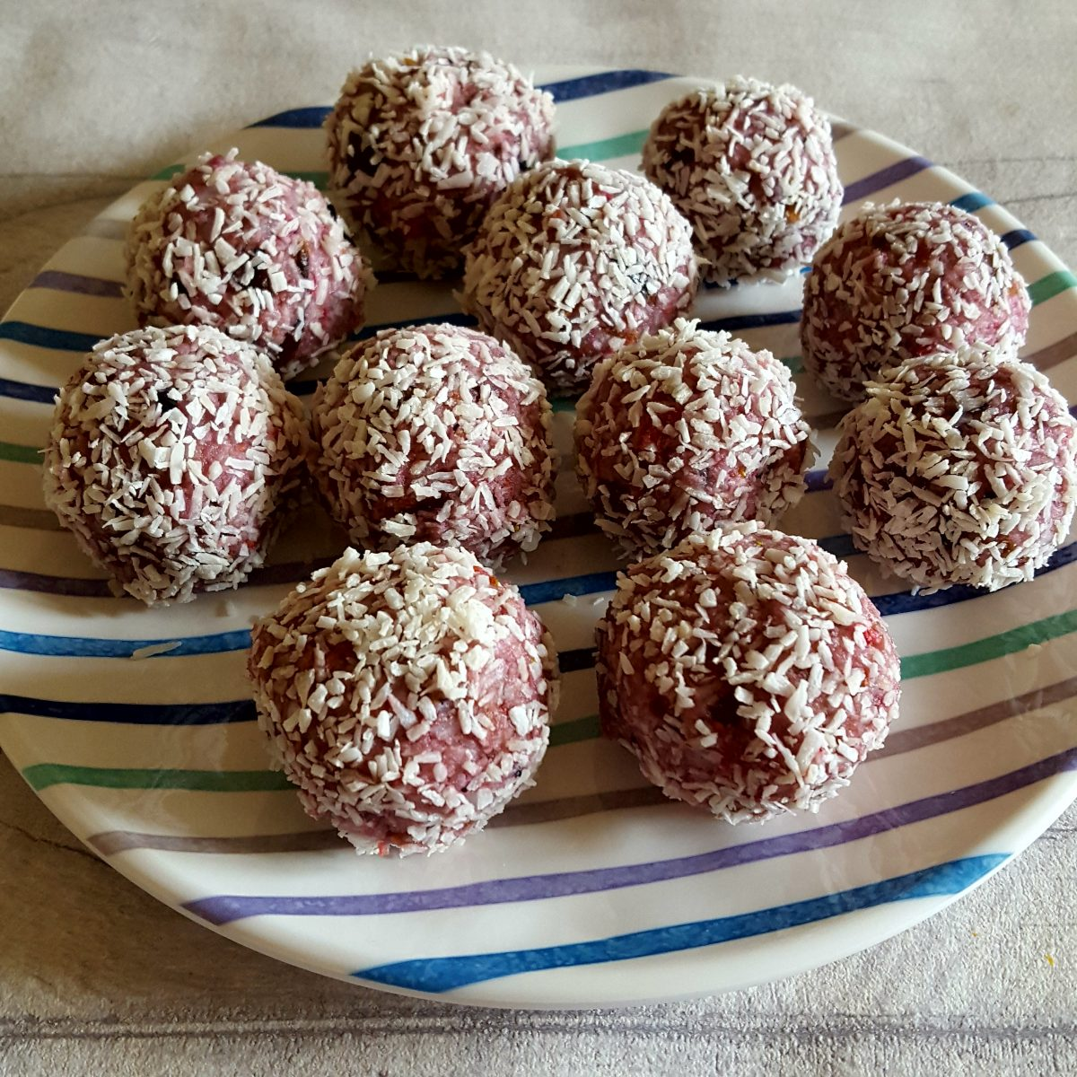 Berry coconut balls