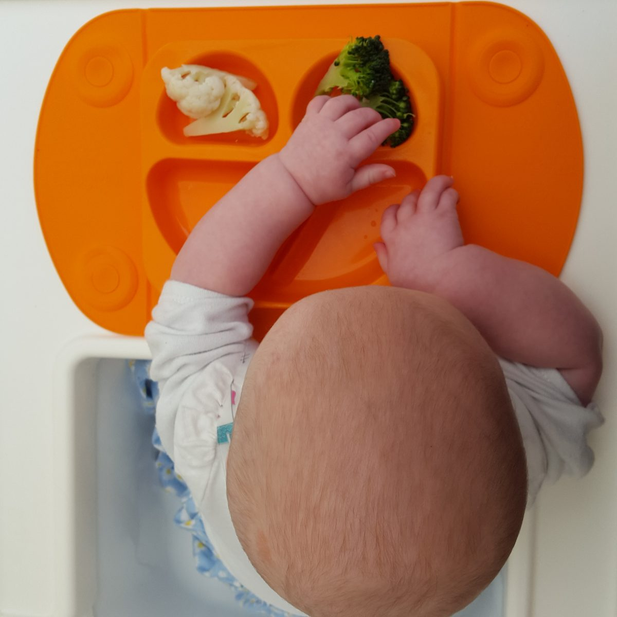 Top Tips for eating out and about with a weaning baby and a toddler